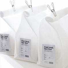 型崩れも気になるし、かさ張るバッグの収納場所。意外と困りものな『バッグの収納法』をご紹介します。取り出しやすく、キレイに保存! みんなの収納法を集めてみました♡ Food Packaging Design, Plastic Packaging, Coffee Packaging, Packaging Design Inspiration, Brand Packaging, Branding Design, Bakery Packaging, Paper Bag Design, Ästhetisches Design