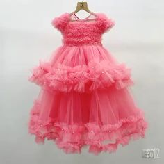 Baby Girl Dresses Diy, Baby Girl Wedding Dress, Little Girl Gowns, Baby Girl Birthday Dress, Princess Flower Girl Dresses, Princess Dress Kids, Girls Pageant Dresses, Gowns For Girls, Frocks For Girls
