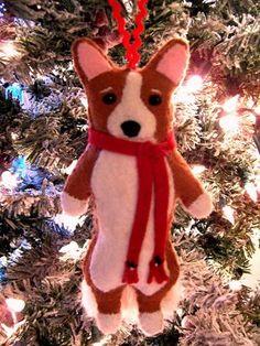 Cathy Santarsiero The Christmas Corgi: November 2008 Dog Christmas Ornaments, Christmas Dog, Felt Ornaments, Christmas Crafts, Dog Crafts, Felt Crafts, Felt Dogs, Cute Corgi, Felt Decorations