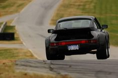 Porsche 911 turbo - ride on a canonball Porsche 911, Porsche 930 Turbo, 911 Turbo, Porsche Classic, Vintage Porsche, Amazing Cars, Awesome, Hot Cars, Cars Motorcycles
