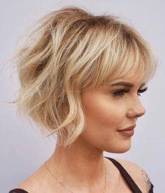 Short Women's Haircut with Bangs Medium Hair Cuts, Medium Hair Styles, Curly Hair Styles, Bob Hair Cuts, Medium Bob With Bangs, Razor Cut Hair, Bob Hairstyles For Thick, Hairstyles With Bangs, Older Women Hairstyles
