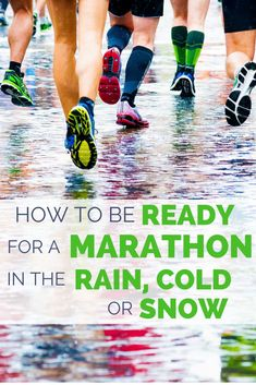 Stand on the start line with confidence no matter what the weather forecast says. Heat, cold or rain can make for a miserable marathon experience. Here are 6 great (little known) tips from running experts to prepare yourself for any conditions. Marathon Training Plan Beginner, Half Marathon Training Programme, Marathon Running, Half Marathon Quotes, Half Marathon Motivation, Half Marathons, Marathon Signs, Running In The Rain, Running Tips