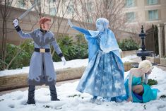 Disney Cosplay Frozen cosplay/// this is fantastic! Disney Cosplay, Cosplay Frozen, Epic Cosplay, Amazing Cosplay, Disney Costumes, Cosplay Outfits, Cool Costumes, Cosplay Ideas, Group Cosplay