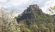 Home - Burg Hochosterwitz Castle Gate, Fortification, Kirchen, Austria, Monument Valley, Mount Rushmore, To Go, Old Things, Castles