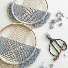 Macrame - GOODMORNING▪ Made this piece for a costumer, 2 hoops and a ligth grey 🖤the simplicity lovewhatyoudo circles studionom… Macrame Art, Macrame Knots, Macrame Mirror, Macrame Design, Macrame Curtain, Weaving Projects, Macrame Projects, Yarn Crafts, Diy Crafts
