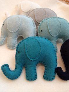 Ombré garland elefante azul y cercetas. Guardería por memeandsaysay