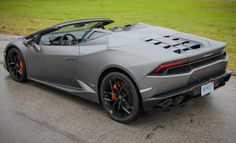 Driven: All-New Lamborghini Huracan Spyder! - Photo Gallery of First Drives from Car and Driver - Car Images - Car and Driver