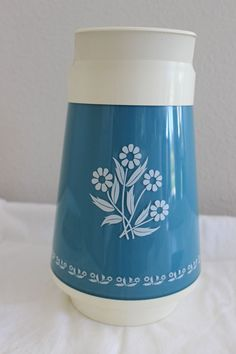 VINTAGE THERMO-SERV CORNING WARE BLUE CORNFLOWER PITCHER NFC ENG CO INC