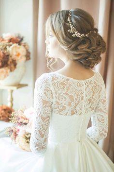 Long Wedding Hairstyles & Bridal Updos via Evgeniya Lebedeva / http://www.himisspuff.com/wedding-hairstyles-from-evgeniya-lebedeva/5/