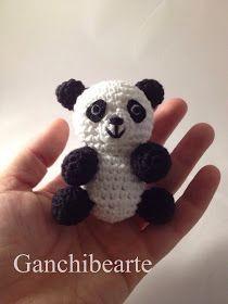 Ganchibearte: Tito panda (free pattern) Crochet Panda, Crochet Bear, Plush Pattern, Free Pattern, Crotchet Animals, Rainbow Loom, Crochet Patterns Amigurumi, Stuffed Toys Patterns, Christmas Crafts