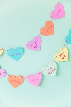 40 Valentine's Day Crafts to Make You Feel the Love - Valentinstag Ideen Valentines Decoration, Valentine Day Table Decorations, Diy Valentine's Day Decorations, Valentines Day Party, Valentine Day Crafts, Decor Ideas, Decorating Ideas, Food Ideas, Crafts For Teens
