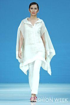 by Tin: Modern Filipiniana Inspiration<br> Philippines Dress, Modern Filipiniana Dress, Filipino Fashion, Lil Black Dress, Power Dressing, Grad Dresses, Fashion 101, Ethnic Fashion, Passion For Fashion