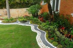 Your backyard and garden deserve just the right amount of attention as your front yard, and you will be amazed to see just how much people care about Side Garden, Garden Edging, Garden Grass, Outdoor Landscaping, Front Yard Landscaping, Small Gardens, Outdoor Gardens, Dream Garden, Garden Projects
