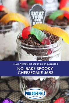 No-Bake Spooky Cheesecake Jars Halloween Party Treats, Halloween Baking, Halloween Dinner, Halloween Desserts, Holiday Treats, Holiday Recipes, Fall Treats, Easy Halloween, Deserts