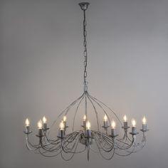 Candelabro ZERO BRANCO 12 gris envejecido Lámpara colgante muy elegante con aires clásicos. Este modelo está lleno de detalles y con unos acabados preciosos. De estilo romántico está lámpara convertirá su salón en una estancia de castillo.