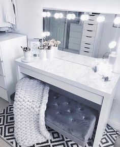 Makeup Vanity Case, Makeup Table Vanity, Makeup Vanities, Vanity Ideas, Bathroom Vanities, Vanity Stool, Makeup Vanity Tables, Vanity Set Up, Dresser Vanity