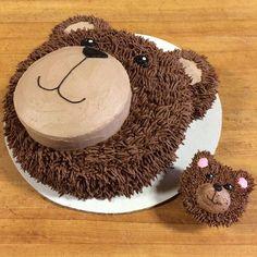 photo 5 Teddy bear face cake and teddy bear cupcake Teddy Bear Cupcakes, Panda Cupcakes, Teddy Bear Birthday Cake, Teddy Bear Party, Teddy Bears Picnic Party, Teddy Bear Baby Shower, Baby Birthday Cakes, Food Cakes, Cupcake Cakes