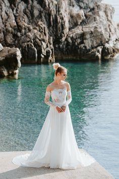 Cintia top and Cintia skirt / Nora Sarman Bridal / photo Pinewood Weddings