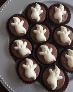 Chocolate Ghost Oreo Cookies... Halloween Candy Party Favors  www.rosebudchocolates.com