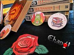 Chapas, imanes, abrebotellas y espejos de Sant Jordi. #Chapó #chapaspersonalizadas #santjordi