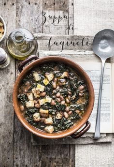 Donuts with chard - Clean Eating Snacks Quick Recipes, Soup Recipes, Cooking Recipes, Italian Appetizers, Appetizer Recipes, Fagioli Soup, Tuscan Soup, Peach Syrup, Y Food