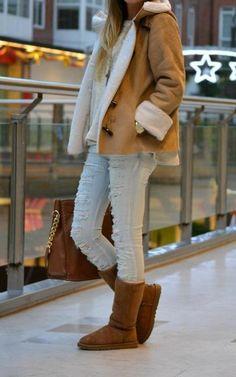 , I think so! Fashion Moda, Fashion Days, Fashion Boots, High Fashion, Winter Fashion, Fashion Outfits, Womens Fashion, Ootd Fashion, Boy Ugg Boots