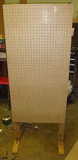 Pegboard display Speed Bump: DIY: Freestanding Display For Craft Shows