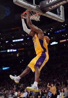 Kobe Bryant Photo - Minnesota Timberwolves v Los Angeles Lakers a52dc4d6d