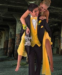 Prom Pictures. Despite the fact that it looks like they're in a Walking Dead set, cute pose.