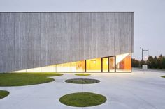 Gallery of School Gymnasium in Neuves Maisons / Giovanni PACE architecte + abc-s. - - Gallery of School Gymnasium in Neuves Maisons / Giovanni PACE architecte + abc-s… Commercial and Office Architecture Sacred Architecture, Gymnasium Architecture, Architecture Résidentielle, Cultural Architecture, Education Architecture, Abc Studios, Facade Design, Landscape Design, Exterior