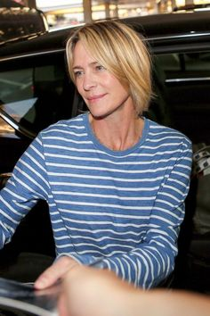 robin wright claire underwood haircut 2017 house of