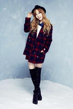 Girls Generation-TTS Taeyeon is Winter Chic for MIXXO F/W Collection 2014. (Taeyeon)