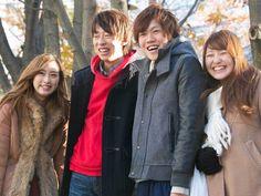 """TRADISI RAMBUT COKELAT MASYARAKAT JEPANG  Tradisi Budaya Jepang – Rambut cokelat merupakan sebuah hal yang biasa terlihat pada beberapa masyarakat Jepang terutama para remaja dan anak muda. Namun akan jarang anda temukan pada orang dewasa di Jepang tentunya hal ini memiliki alasan mengapa Jepang memiliki sebuah tradisi untuk memiliki rambut warna cokelat. Chapatsu (茶 髪 / ち ゃ ぱ つ), memiliki arti """"rambut cokelat"""" dalam bahasa Jepang, ini adalah gaya bleaching atau juga mewarnai rambut yang…"""
