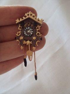 DOLLS HOUSE MINIATURES  -  Hand Painted Metal Cuckoo Clock