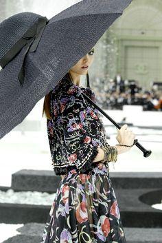 chanel. Hat umbrella!