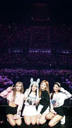 Kpop Girl Groups, Korean Girl Groups, Kpop Girls, Kim Jennie, Blackpink Video, Foto E Video, Blackpink Wallpapers, Blackpink Youtube, Divas
