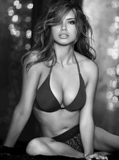 Adriana Lima sexy babe in black & white photo. Calendars of hot models at sexy-calendars.com