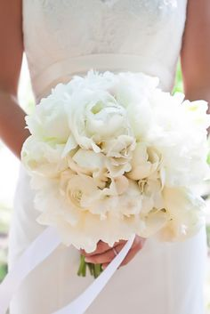 View entire slideshow: New Take on Neutrals: Our Favorite Cream Bouquets on http://www.stylemepretty.com/collection/3729/