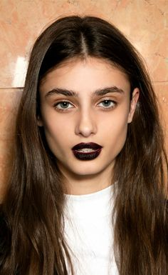 101 Party Makeup Ideas 2016 | vampy dark lipstick + bold boy brows | Holiday makeup