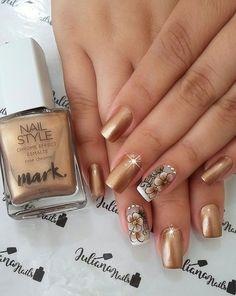 45 Fotos de Unhas decoradas com flores – Passo a passo Finger Nail Art, Toe Nail Art, Acrylic Nails, Cute Summer Nail Designs, Gold Nail Designs, Bling Nails, Gold Nails, Glamour Nails, Trendy Nail Art