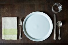 How to Set a Table on Food52: http://food52.com/blog/4914-how-to-set-a-table. #Food52
