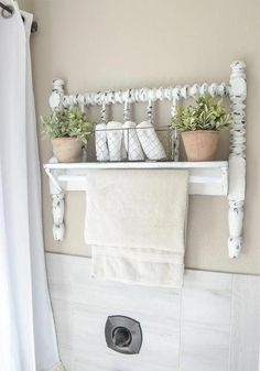 Towel Bar from Vintage Bed Frame DIY towel bar from Jenny Lind bed frame.DIY towel bar from Jenny Lind bed frame. Country Farmhouse Decor, Farmhouse Furniture, Farmhouse Style, Bedroom Country, Modern Farmhouse, Country Furniture, Vintage Farmhouse, Country Living, Western Furniture