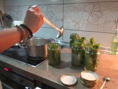 Αμπελόφυλλα σε βάζο!!! ~ ΜΑΓΕΙΡΙΚΗ ΚΑΙ ΣΥΝΤΑΓΕΣ 2 Guacamole, Greek, Ethnic Recipes, Food, Essen, Meals, Greece, Yemek, Eten