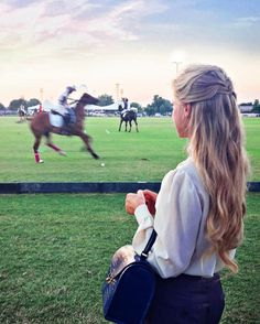 stylishblogger:  A horse is the projection of peoples' dreams about themselves - strong, powerful, beautiful - and it has the capability of giving us escape from our mundane existence. by eleosebastiani