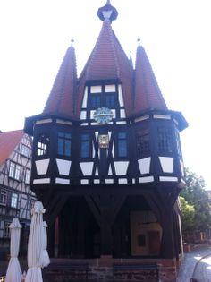 Das Alte Rathaus von Michelstadt Lions Club, Cabin, House Styles, Home Decor, Decoration Home, Room Decor, Cabins, Cottage, Home Interior Design