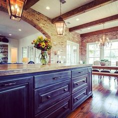 Gourmet kitchen on Fairwoods Drive at @provenancecommunity! Built by Wesley Thomas (SOLD). What's your favorite detail in this beautiful space? #shreveport #newhomes #kitchen #bevelo #brick