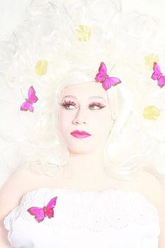 Photoshoot Fairy!  Fotografie: Marcella Geeroms, Oh My Lucky Stars Model: Rosa Blok MUAH: Marielle Last, Vamps and Dolls  #mua #visagie #visagiste #hoorn #noordholland #makeup #rose #maccosmetics #fotografie #vlinders #goud #bladeren #romantisch #pruik #prinses #princess #fairy #photoshoot #butterflies #goldenleaves #romantic #pinkeyeshadow #pinklips