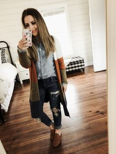 a158adfafc3 12 ways to style a chambray shirt. Casual Outfits ...