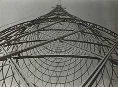 In this and that posts I showed you two of my favourite photos by Alexander Rodchenko. Let's have a look at these other photos! I really like his radical photography. Alexander Rodchenko, Winterthur, Miguel Angel, Bauhaus, Jules Cheret, Transmission Tower, 7 Arts, Kazimir Malevich, Russian Constructivism
