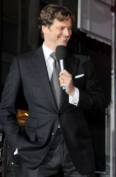 Colin Firth turns on the Christmas lights at Regent Street - Colin Firth Photo (8940214) - Fanpop